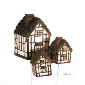 Hus / Old cottages (3 hus)